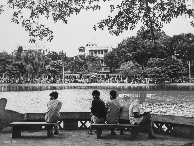 Ảnh để đời về Hà Nội trong đạn bom năm 1967 - Ảnh 9.