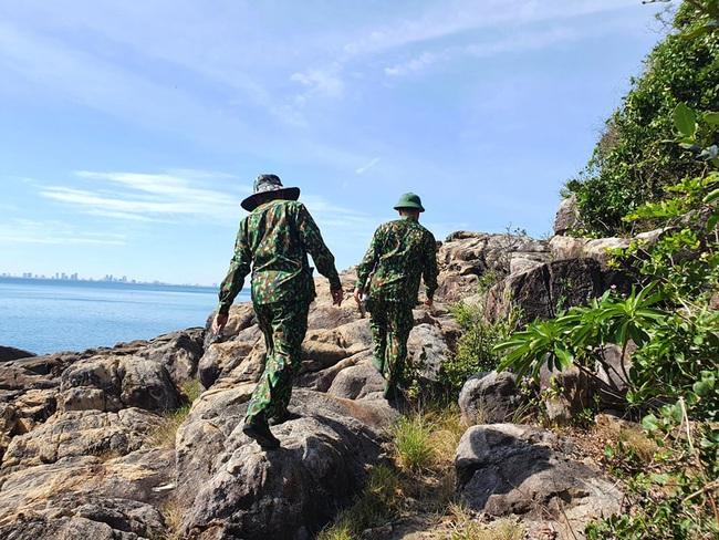 hàng trăm chiến sĩ vẫn đang tiếp tục triển khai vay bắt - Ảnh 2.
