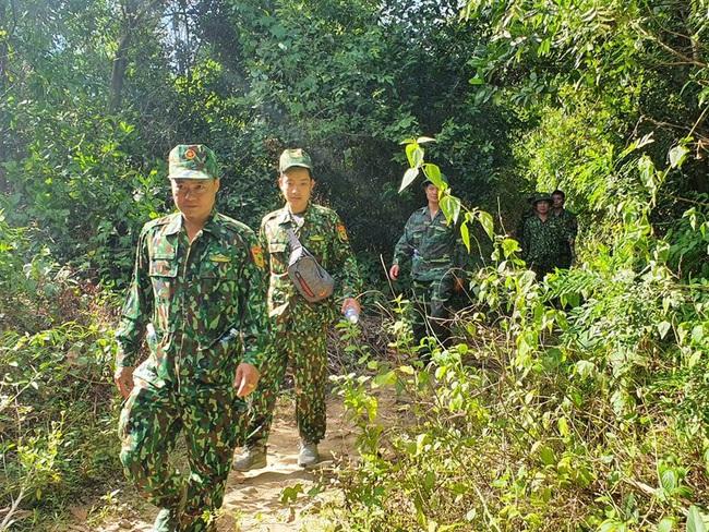hàng trăm chiến sĩ vẫn đang tiếp tục triển khai vay bắt - Ảnh 5.