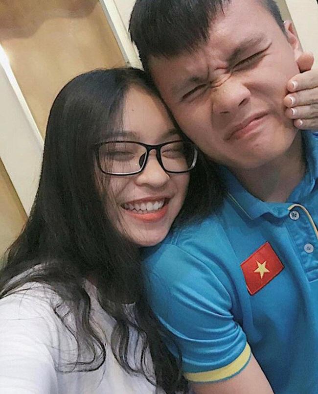 Tình cũ Quang Hải tiết lộ lời khuyên sâu sa của bố, dân mạng bất ngờ réo tên nam cầu thủ - Ảnh 3.
