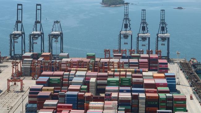 Thương mại Trung Quốc ảm đạm, kim ngạch nhập khẩu tệ nhất trong 4 năm - Ảnh 1.