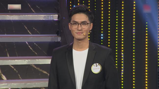 """Cùng một ngày, Ninh Dương Lan Ngọc được học trò Trường Giang và """"thầy giáo soái ca"""" bày tỏ tình cảm trên sóng truyền hình - Ảnh 2."""