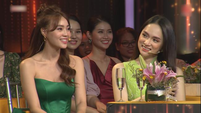 """Cùng một ngày, Ninh Dương Lan Ngọc được học trò Trường Giang và """"thầy giáo soái ca"""" bày tỏ tình cảm trên sóng truyền hình - Ảnh 3."""