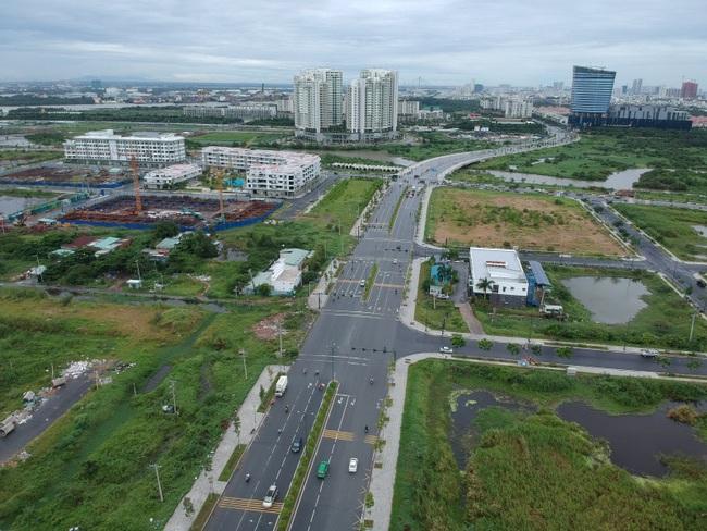 Tuyến đường 1km ở Thủ Thiêm do CII xây dựng hình thức BT mới khai thác đã… hỏng - Ảnh 1.
