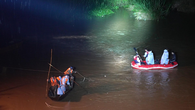 Tìm thấy nạn nhân cuối cùng trong vụ đuối nước thương tâm khiến 3 học sinh tử vong - Ảnh 1.