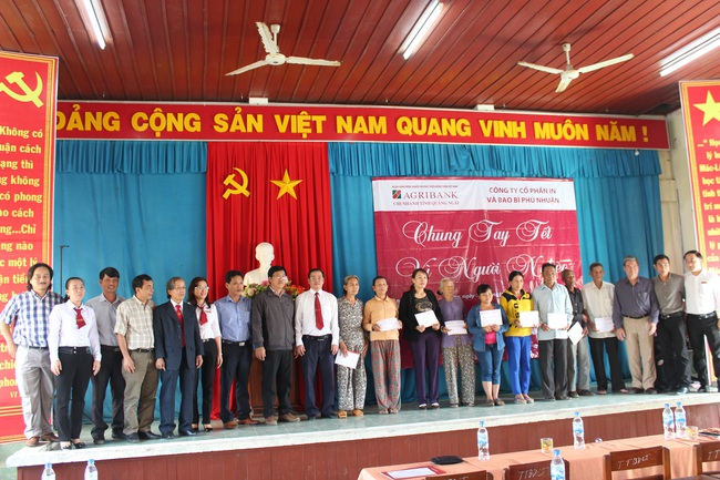 Quảng Ngãi: Agribank Lý Sơn đẩy mạnh phát triển kinh doanh, gắn trách nhiệm với cộng đồng - Ảnh 2.