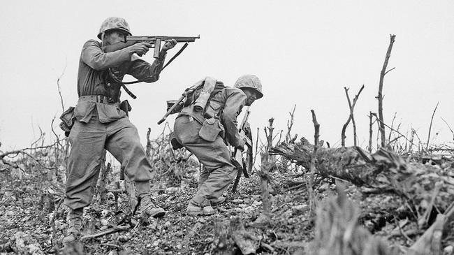 """Vì sao lính Mỹ """"ngó lơ"""" trống đạn 100 viên của tiểu liên Thompson? - Ảnh 2."""