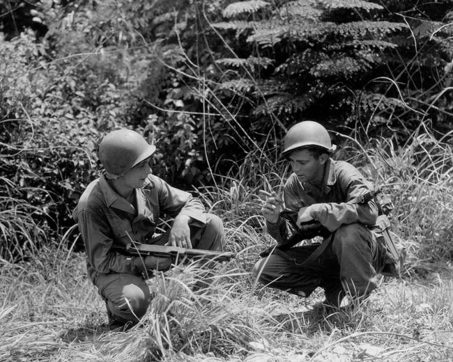 """Vì sao lính Mỹ """"ngó lơ"""" trống đạn 100 viên của tiểu liên Thompson? - Ảnh 4."""