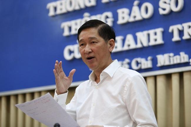 Công an đang khám xét nhà Phó Chủ tịch UBND TP.HCM Trần Vĩnh Tuyến - Ảnh 1.