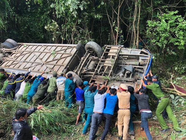 Vụ tai nạn giao thông khiến 5 người chết: Nạn nhân thứ 6 đã tử vong - Ảnh 1.