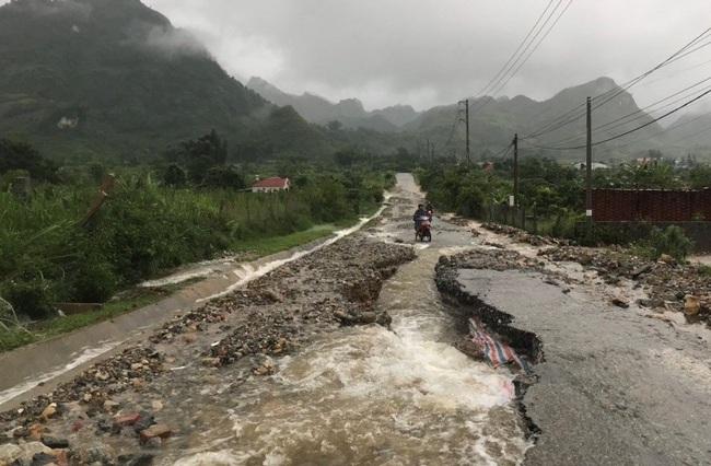 Lai Châu: Mưa lớn kéo dài, cuốn trôi một nhà dân - Ảnh 1.