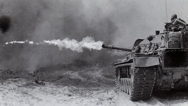 Soi chiếc xe tăng phun lửa duy nhất của Mỹ trên chiến trường VN - Ảnh 1.