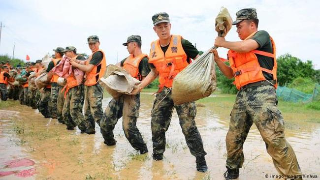Báo Đức: Lũ lụt kinh hoàng ở Trung Quốc là do Bắc Kinh xây đập tràn lan - Ảnh 2.