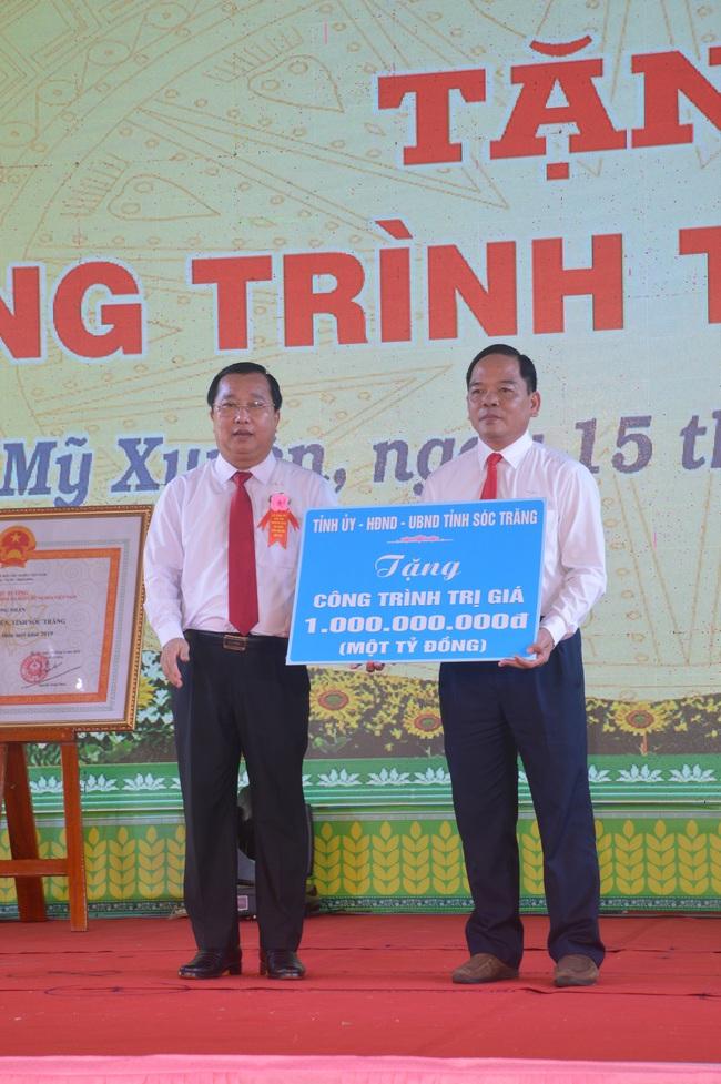 Huyện Mỹ Xuyên được công nhận đạt chuẩn nông thôn mới - Ảnh 3.