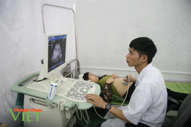 TTYT Than Uyên: Nhiều giải pháp nâng cao chất lượng khám chữa bệnh - Ảnh 4.