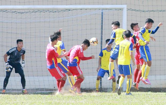 NÓNG: 11 cầu thủ Việt Nam bị FIFA cấm thi đấu vì bán độ - Ảnh 1.
