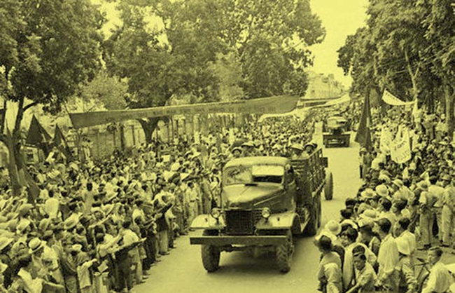 Chùm ảnh cực giá trị Hà Nội những ngày đầu giải phóng - Ảnh 11.