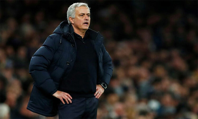 Mourinho đang gặp khó trong việc giúp Tottenham vào top 4