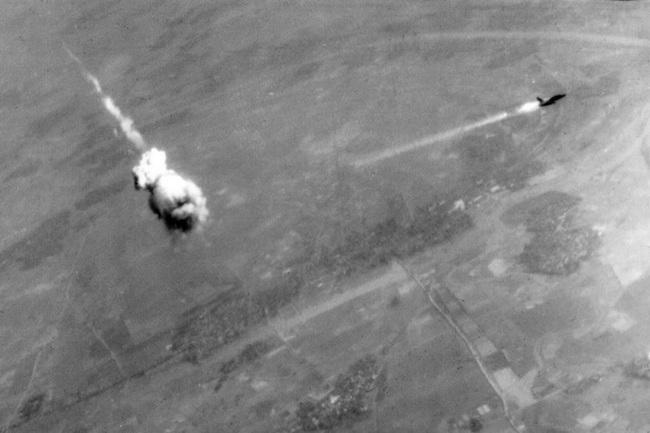 """Chiến trường Việt Nam đặt dấu chấm hết cho tên lửa """"kém thông minh"""" của Mỹ - Ảnh 3."""
