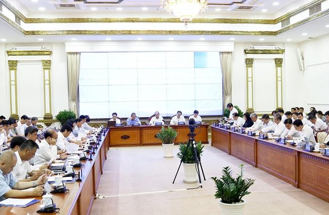 Thủ tướng Nguyễn Xuân Phúc yêu cầu các bộ trực tiếp giải quyết vướng mắc của TP.HCM - Ảnh 1.