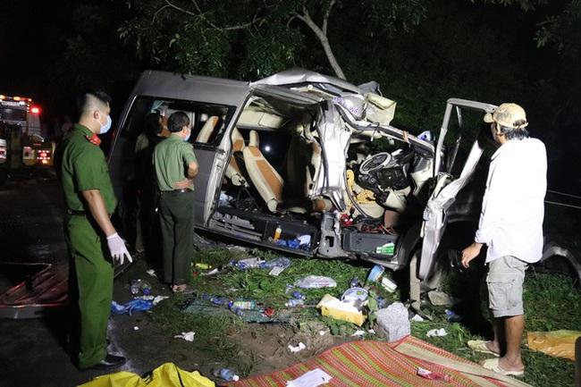 Vụ tai nạn 8 người chết ở Bình Thuận: Công an Bình Thuận kiến nghị mở rộng đường, lắp dài phân cách cứng - Ảnh 1.