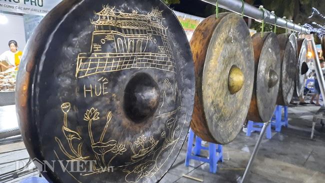 Lễ hội Ẩm thực Quảng Ninh thu hút hàng nghìn khách ngay ngày khai mạc  - Ảnh 11.