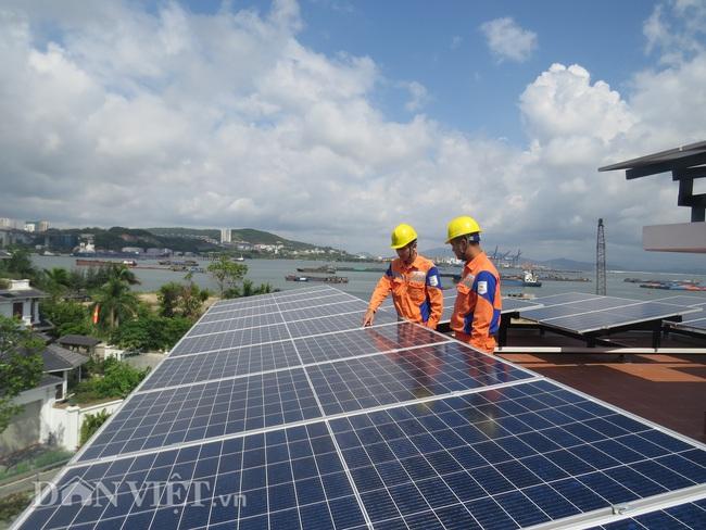 Quảng Ninh: Nhiều hộ gia đình kiếm tiền từ bán điện  - Ảnh 1.