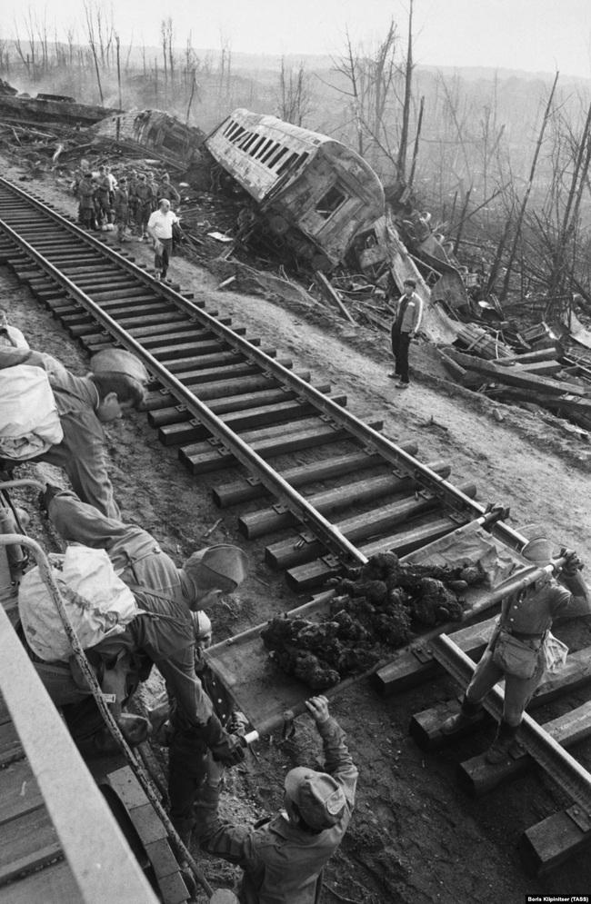 Thảm kịch khiến gần 600 người chết cháy chấn động Liên Xô - Ảnh 4.