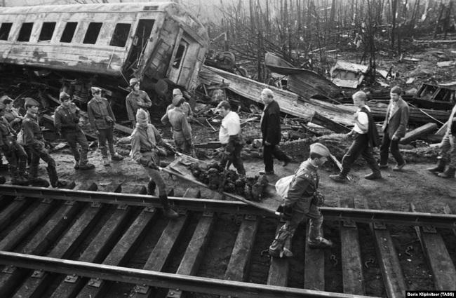 Thảm kịch khiến gần 600 người chết cháy chấn động Liên Xô - Ảnh 8.