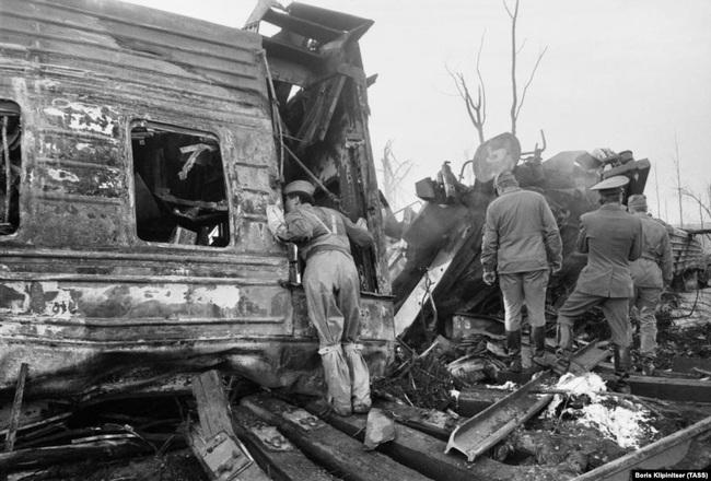 Thảm kịch khiến gần 600 người chết cháy chấn động Liên Xô - Ảnh 10.
