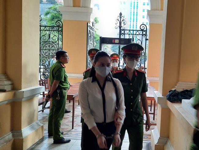"""Tuyên tử hình trùm ma túy Văn Kinh Dương, hot girl Ngọc """"Miu"""" lãnh 16 năm tù - Ảnh 1."""