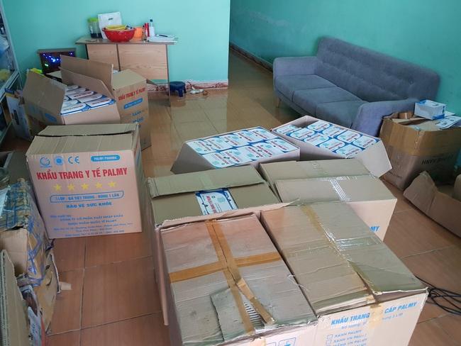 Đà Nẵng: Phát hiện 21.000 khẩu trang không rõ nguồn gốc - Ảnh 1.