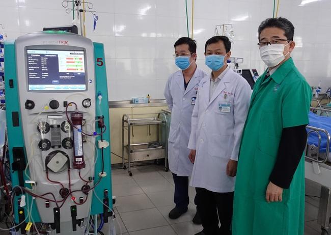 JICA hỗ trợ máy ECMO, bộ xét nghiệm Covid-19 cho Bệnh viện Chợ Rẫy - Ảnh 1.