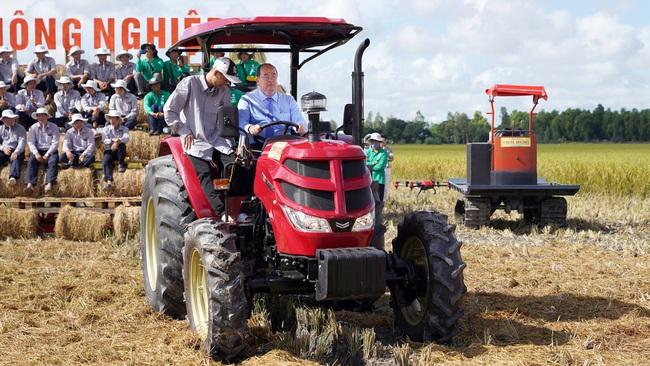 Mô hình HTX kiểu mới giúp nông dân an tâm suốt mùa vụ - Ảnh 1.