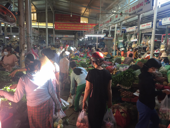 Đà Nẵng: Hàng hóa dồi dào, người dân không nên tích trữ - Ảnh 7.