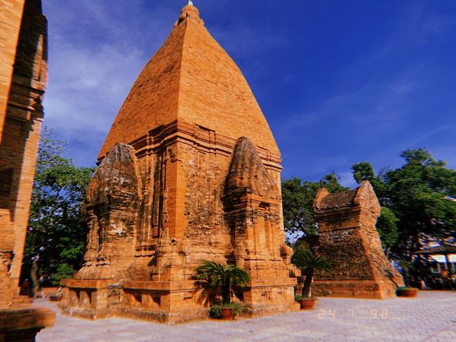 Vẻ đẹp cổ kính của tháp Bà Ponagar: Tín ngưỡng của người Chăm Pa - Ảnh 2.