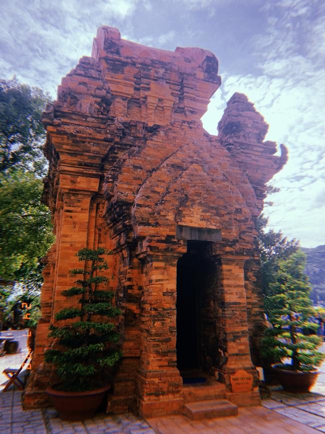 Vẻ đẹp cổ kính của tháp Bà Ponagar: Tín ngưỡng của người Chăm Pa - Ảnh 3.