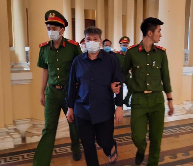 """""""Siêu lừa"""" Dương Thanh Cường nhận án tù chung thân, Trầm Bê thêm 3 năm tù - Ảnh 2."""