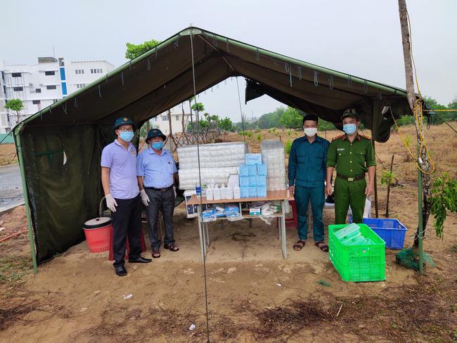 Quảng Nam: Hội Nông dân thị xã Điện Bàn tiếp sức cho các chiến sĩ tuyến đầu phòng chống dịch Covid-19 - Ảnh 4.