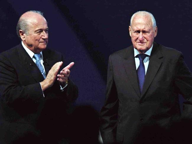 """""""Bóng ma tham nhũng"""" bao phủ FIFA: Chuyện nhiều như... cơm bữa - Ảnh 3."""