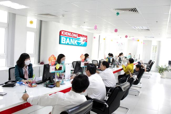 KienLongBank hỗ trợ giảm lãi cho hơn 1.300 khách hàng mùa dịch Covid-19 - Ảnh 1.