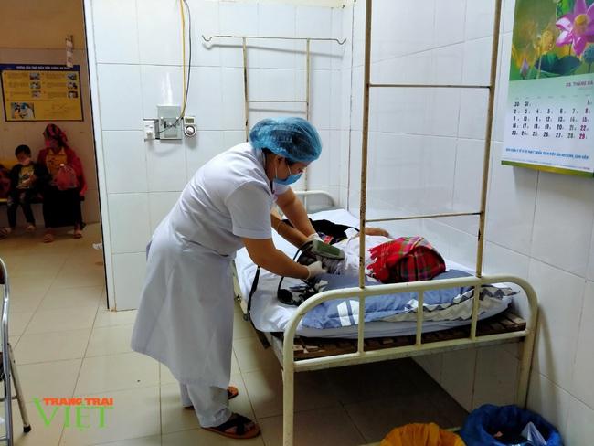 TTYT Tân Uyên: Chú trọng nâng cao chất lượng khám chữa bệnh - Ảnh 3.