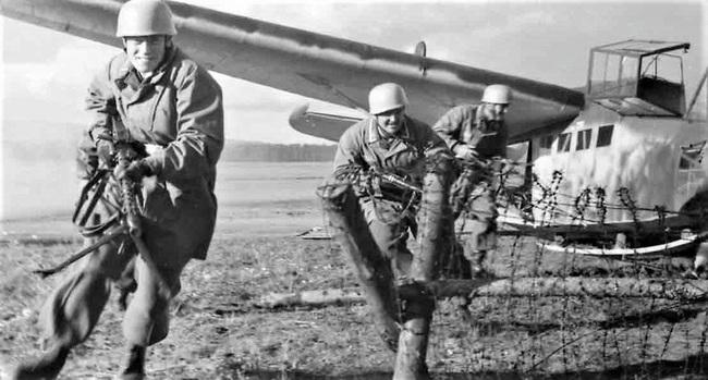 Chiến dịch đổ bộ đường không vô tác dụng nhất trong lịch sử chiến tranh - Ảnh 3.