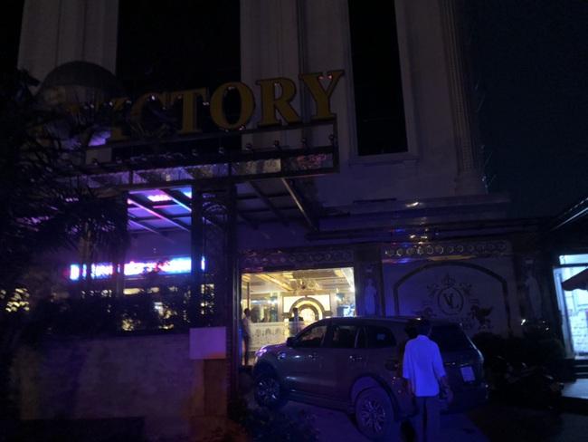 Đột kích vào quán karaoke ở Sài Gòn phát hiện gần 90 dân chơi dương tính với chất ma tuý - Ảnh 1.