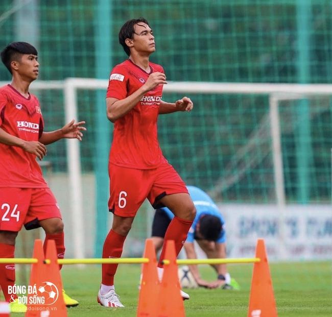 Cầu thủ Việt gốc Pháp Tiêu Exal: Cậu bé bị bỏ rơi và tấm vé lên U22 Việt Nam - Ảnh 1.