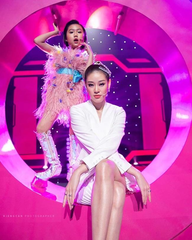 """Hoa hậu Phương Khánh đau đớn vì nhận một cú lừa, Trần Tiểu Vy có thái độ """"căng đét"""" - Ảnh 6."""