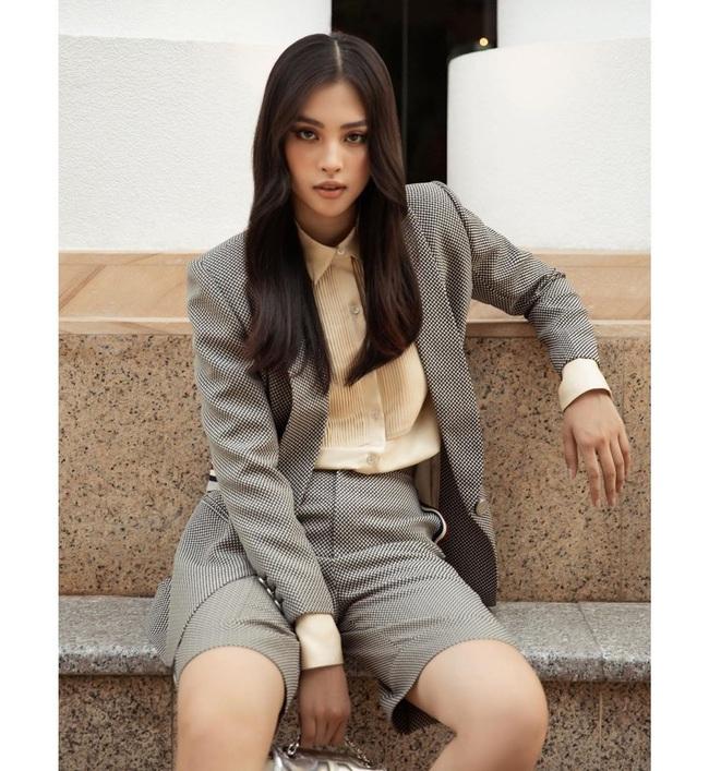 """Hoa hậu Phương Khánh đau đớn vì nhận một cú lừa, Trần Tiểu Vy có thái độ """"căng đét"""" - Ảnh 2."""
