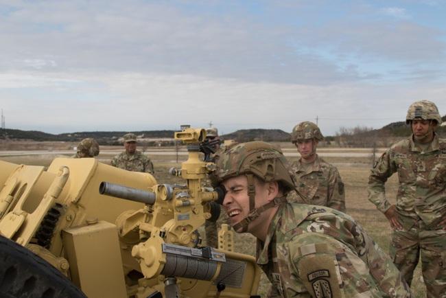 """Lạ lùng: Quân đội Mỹ """"học cách dùng"""" pháo Liên Xô - Ảnh 2."""