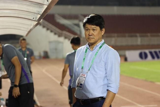 HLV Vũ Tiến Thành gây ấn tượng mạnh ở Sài Gòn