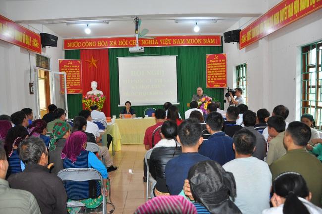 Chủ tịch Hội ND Việt Năm thăm trại bò vàng trăm triệu ở huyện nhiều đá nhất Việt Nam - Ảnh 4.